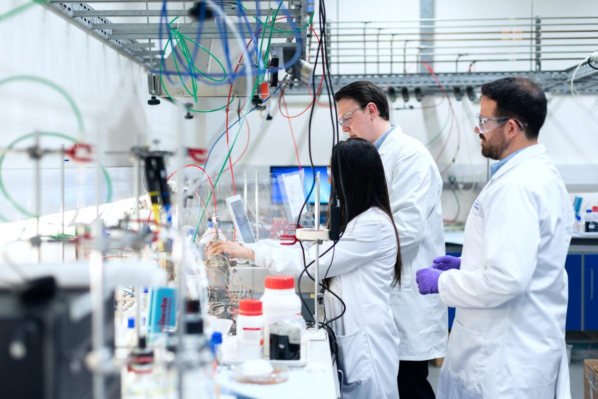 KTP picture of team in a lab