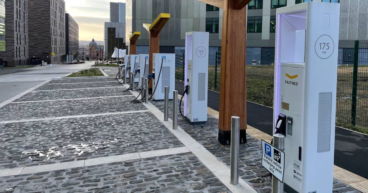 Electric_Vehicle_Charging_Station