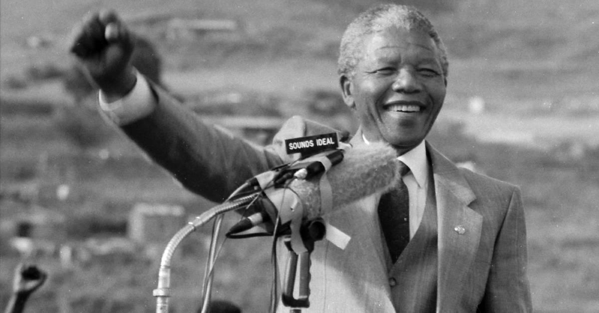 Nelson_Mandela_Giving_a_Public_Talk